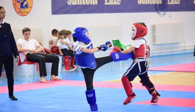 Foto: Tehnică şi precizie, la Campionatul Naţional de Kung Fu de la Constanţa
