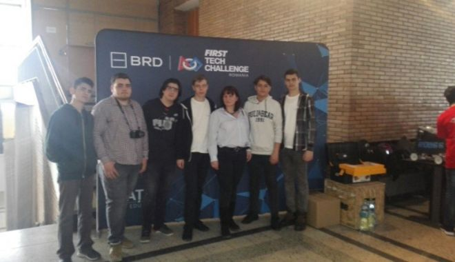 Elevii Liceului  de Telecomunicaţii Constanţa, în cursă  la Campionatul  Naţional de Robotică - telecomunicatiirobotica-1520872376.jpg