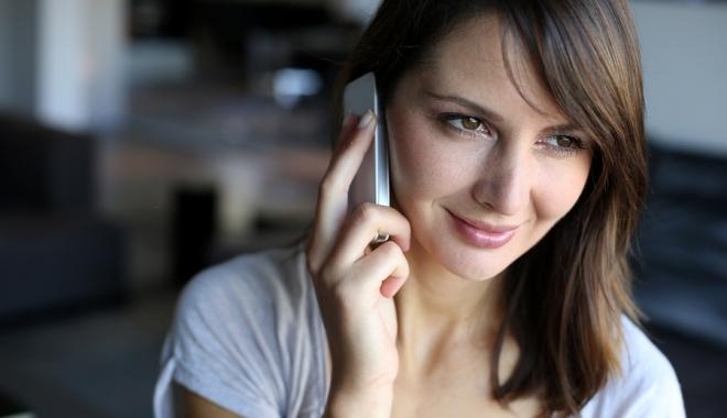 Foto: Cartele de telefonie mobilă şi abonamente fără roaming. Ce spune conducerea ANCO