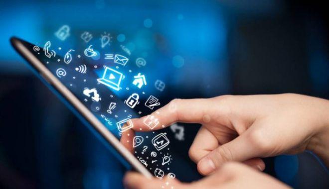Foto: Aplicaţie de telefonie mobilă, specială pentru tinerii bolnavi