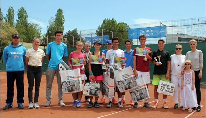 Foto: Nini Dică şi Roxana Manu, campionii Mamaia Idu Juniors Championship