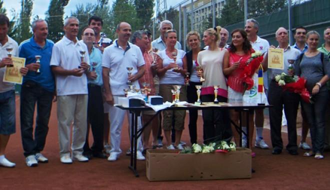 Personalităţile au luat cu asalt Cupa Ziua Marinei Române