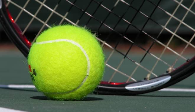 Foto: Tenis: Româncele Oana Simion şi Raluca Şerban, campioanele probei de dublu ale turneului din Grecia