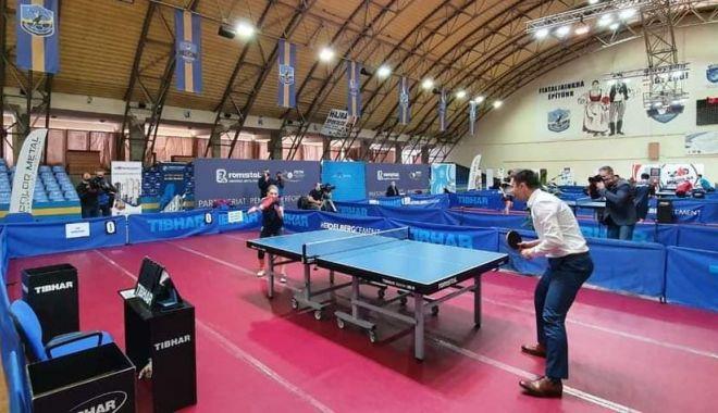 Ministrul Tineretului şi Sportului, meci demonstrativ de tenis de masă cu Bernadette Szocs - tenismasa-1613419160.jpg