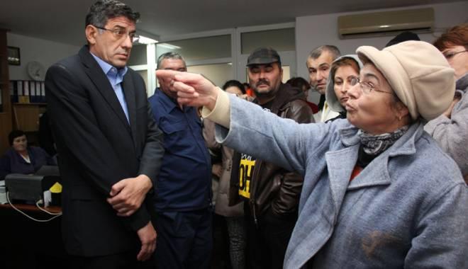 Foto: Tensiunile continuă la Sanatoriul Techirghiol. Angajaţii pregătesc  o grevă legală / GALERIE FOTO
