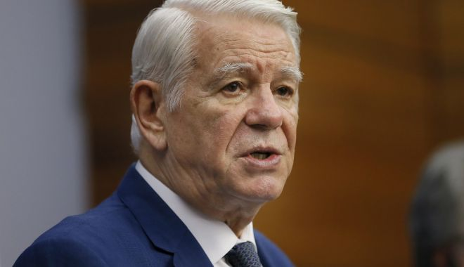 Foto: Meleșcanu îi cere președintelui rechemarea ambasadorului George Maior