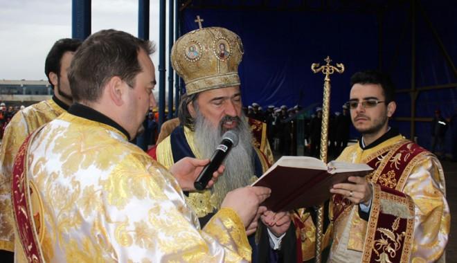 Cum este amintită Săptămâna Patimilor, la Constanța - teodosie-1333998847.jpg