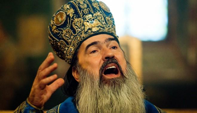 """Foto: Acuzaţii de PROSTITUŢIE şi ŞANTAJ / ÎPS Teodosie, Arhiepiscopul Tomisului: """"Noi suntem cu conştiinţa împăcată"""""""