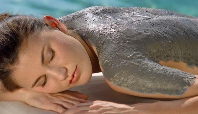 Foto: Terapie cu nămol marin, pentru detoxifierea organismului