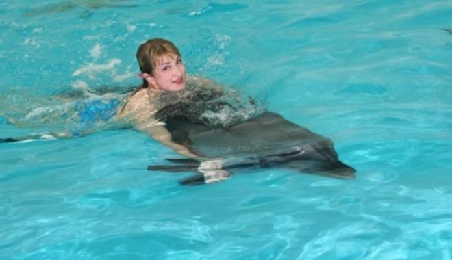 Terapie cu delfini pentru adolescenții dependenți de droguri - terapiedelfini-1475251472.jpg
