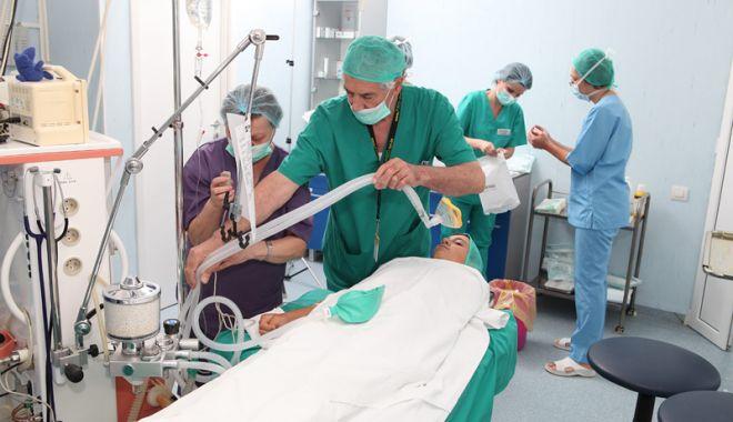 """Foto: Medicii cei mai chinuiţi! """"Majoritatea nu prind prea multă pensie…"""""""