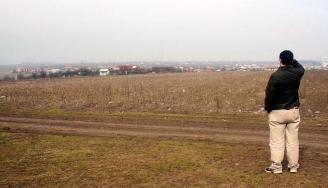Foto: Pre�uri intrate la ap� la zeci de terenuri din Constan�a, executate silit!