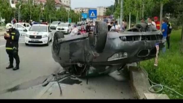 Foto: Un drift ratat! Un şofer teribilist s-a răsturnat cu bolidul