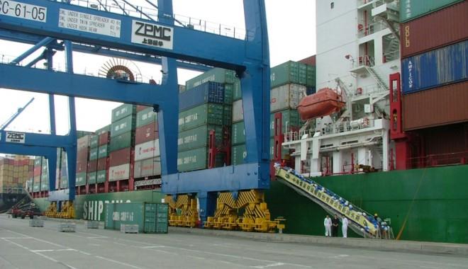 Foto: Cine a făcut profit în portul Constanţa, pe timp de criză?