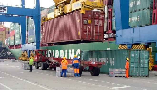 Foto: Poliţia Transporturi îi bagă  pe operatorii portuari la cheltuială