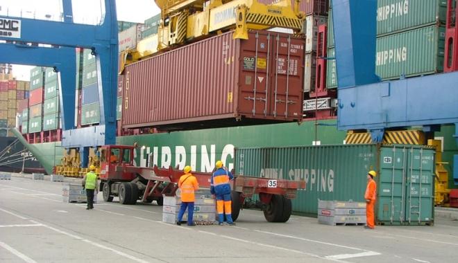 Foto: Terminalul DP World, din portul Constanţa, lider pe piaţa containerelor de la Marea Neagră