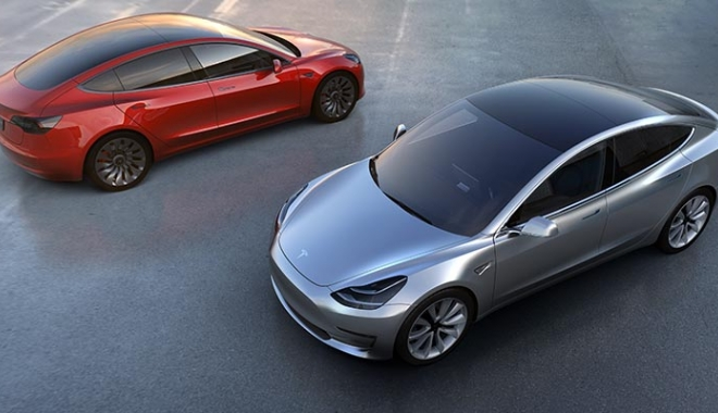 Foto: Tesla Model 3 intră în producţie. Când va ajunge în România