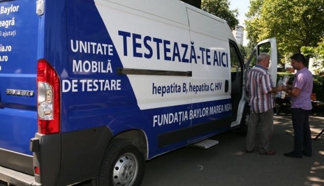 Foto: Fundaţia Baylor face teste gratuite pentru HIV şi Hepatita C, la Constanţa