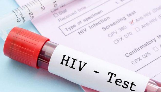 Foto: Personalul medical din Constanţa s-a testat pentru HIV şi hepatită