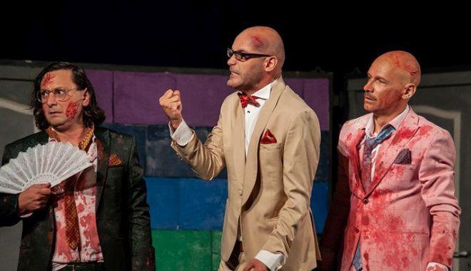 """Foto: Actorii constănţeni aduc  """"Testosteron""""-ul pe scenă"""