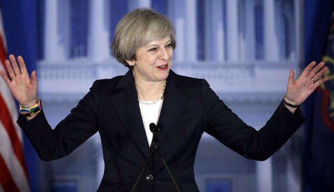 Foto: Theresa May insistă că Marea Britanie va părăsi uniunea vamală