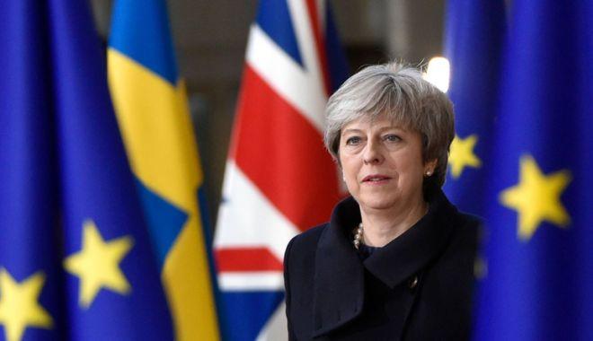 Foto: Theresa May respinge contrapropunerile rivalilor săi privind Brexitul
