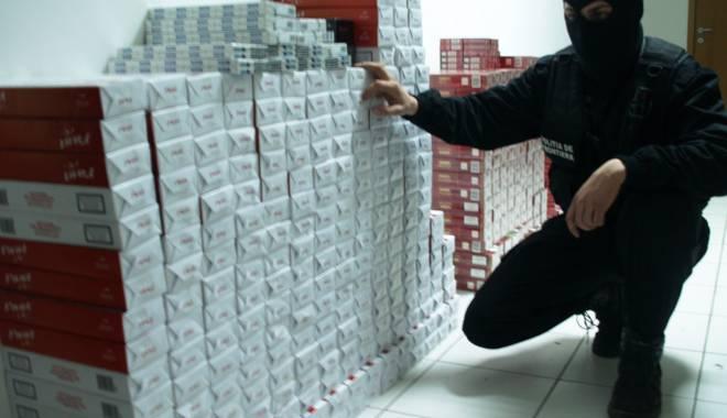 Foto: Afacere cu ţigări de contrabandă, stricată de poliţişti