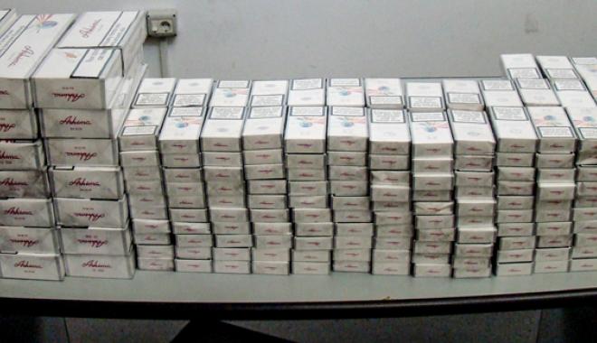 Foto: Ţigări în valoare de 195.000 de euro,  confiscate de vameşii constănţeni