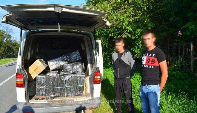 Foto: Doi ucraineni depistaţi cu peste 12.000 de pachete cu ţigări de contrabandă
