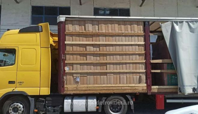 Foto: Cea mai mare captură de țigări din acest an: 162.500 de pachete cu țigări, ascunse într-un camion