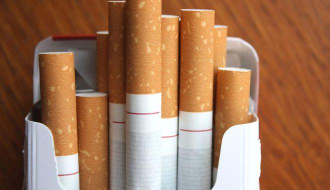 Foto: Guvernul amână majorarea accizelor la țigarete pentru 2020