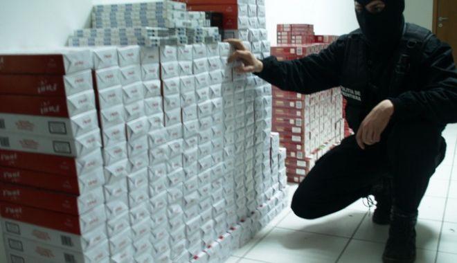 Foto: 330.000 de țigări de contrabandă confiscate din colete poștale