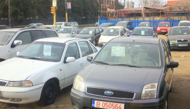 Foto: Statul român obligat să nu mai încaseze timbrul de mediu şi să restituie banii celor care au plătit deja taxa