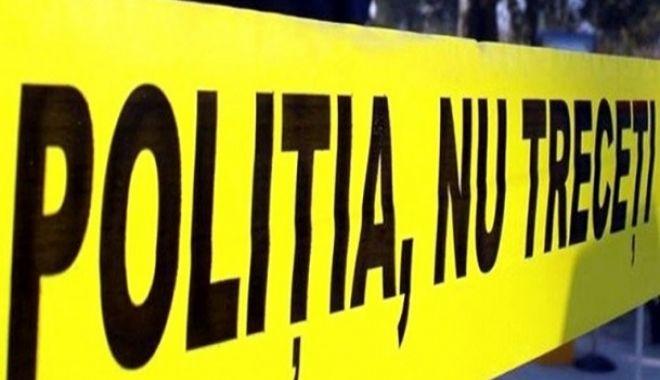 Foto: Descoperire MACABRĂ! Doi soţi, găsiţi morţi în grădină. Poliţia a deschis dosar penal