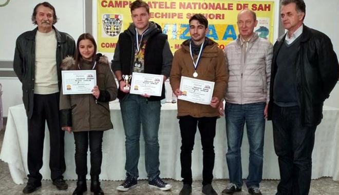 Foto: Tineretul face legea în Campionatul Constanţei la şah