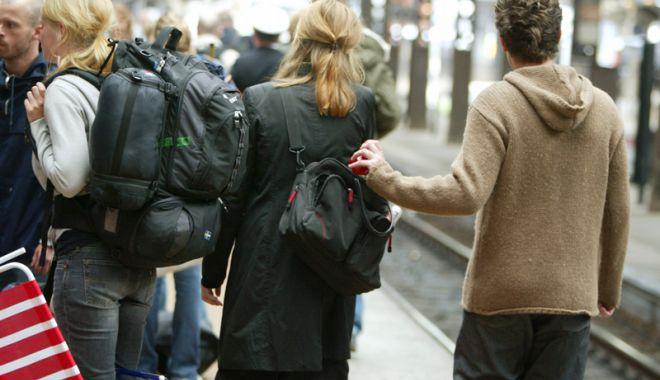 Foto: Tineri cercetaţi pentru furturi