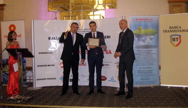 Tinerii antreprenori constănţeni, premiaţi la Balul oamenilor de afaceri - tineriiantreprenori1-1497790187.jpg