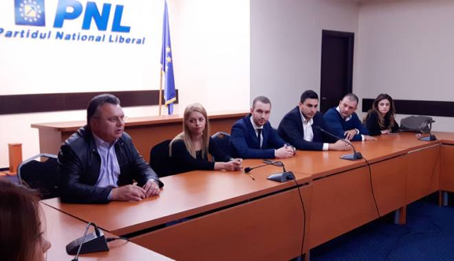 Foto: Tinerii de la MP Constanţa au părăsit partidul
