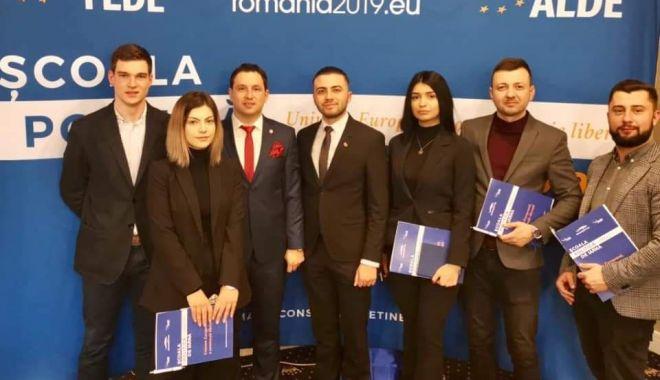 Foto: Tinerii din ALDE Constanța s-au reunit la Școala de Iarnă. Ce subiecte au dezbătut