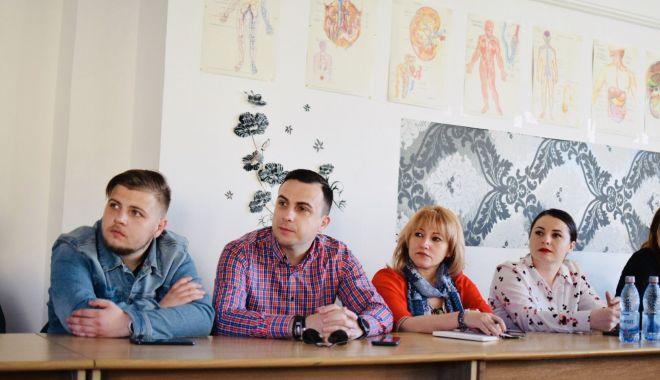 Foto: Tinerii din PSD Constanța, oaspeți la Crucea Roșie. Care a fost scopul