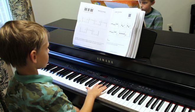 Tinerii pianişti se întrec într-o nouă competiţie - tineriipianisti-1541695180.jpg