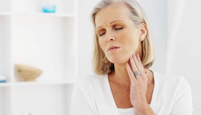 Foto: Nodulii tiroidieni - trebuie opera�i sau se poate tr�i cu ei?