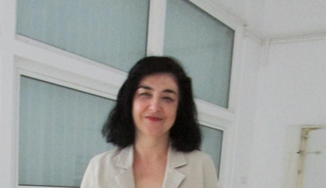 Foto: Lavinia Stan a primit titlul de Doctor Honoris Causa