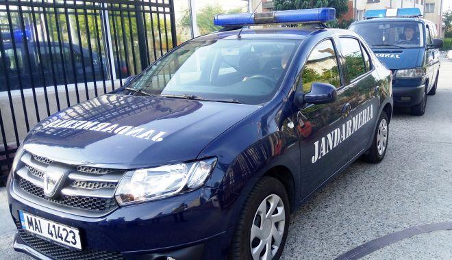 Foto: TITULARIZARE 2018. Jandarmii asigură ordinea publică la concurs