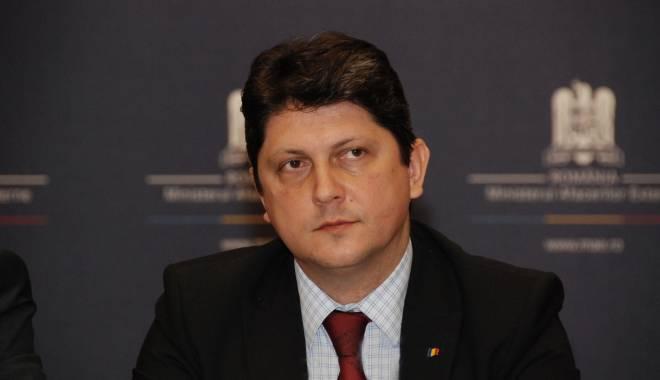 Foto: Geoană, înlocuit cu Corlăţean în funcţia de şef al comisiei parlamentare pentru aderarea la Schengen