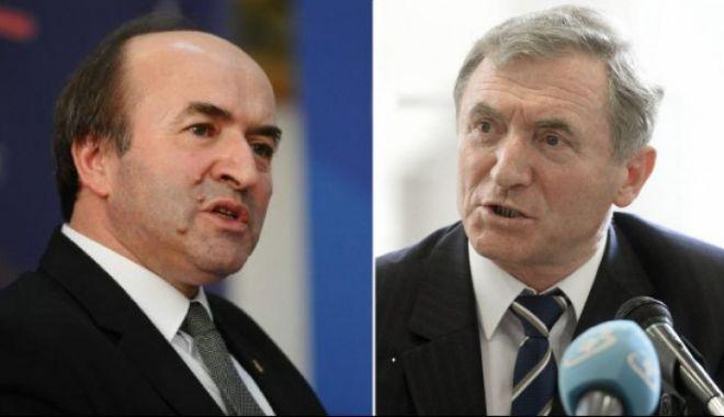 Foto: Comisia Europeană: Procedura de revocare a lui Augustin Lazăr din funcţia de procuror general generează îngrijorări