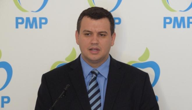 """Foto: Tomac: """"Iohannis a demonstrat că este un politician slab. Nu e capabil să lupte cu ciuma roşie"""""""