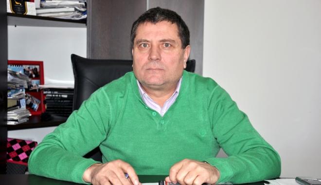 Foto: Primarul din Topraisar, Stelian Gheorghe, la al cincilea mandat. Ce planuri are pentru comună
