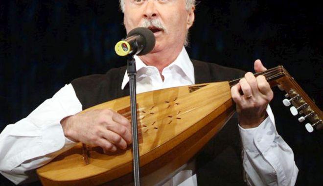 """Foto: """"Tot ce-i românesc nu piere"""""""