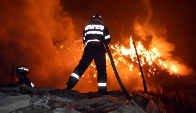 Foto: Incendiu de pădure în Retezat. Șase hectare au fost mistuite